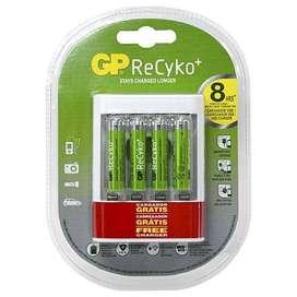 Cargador Usb  4 Pilas Recargables AAA 850 mAh Recyko GP