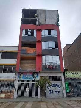 VENDO HOTEL EN LA MISMA AV. UNIVRRSITARIA COMAS