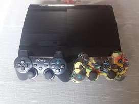 PlayStation 3 con dos mando y juegos en fisico y digital precio negociable