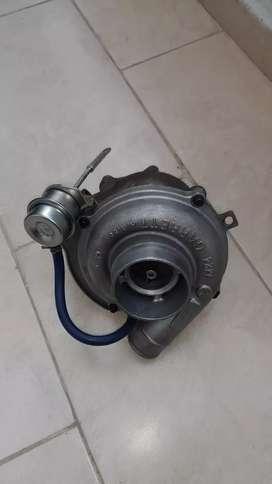 Vendo turbo para HINO FC 500 orijinal garret