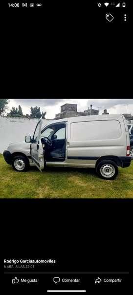 Vendo permuto Peugeot partner hdi 2013