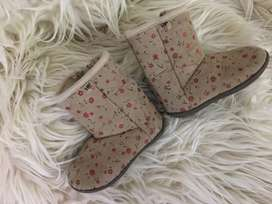 Botitas HUSH PUPPIES NRO 18-19 $750