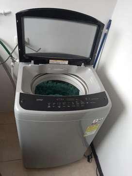Vendo lavadora LG de 18 kilos, prácticamente nueva aun esta en garantia