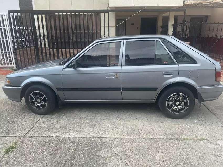 Mazda 323HS 0