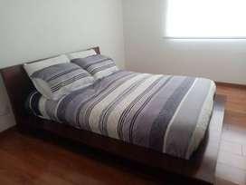 Venta cama doble, en madera Flormorado.