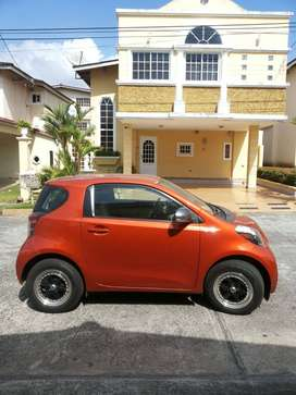 Se vende Scion iQ