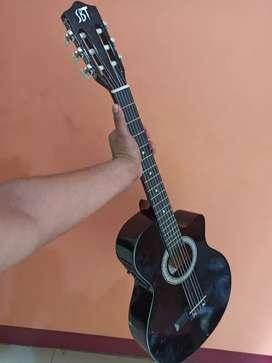 Guitarra electróacustica con estuche muy buena