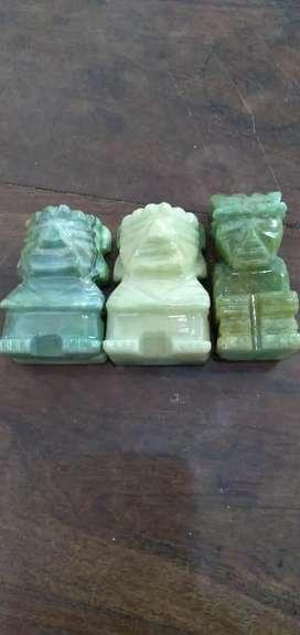 Talla en piedra jade verde