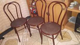 Sillas impecables tipo Tohoner