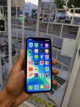 iPhone 11 64GB (Con factura de garantía a nombre del cliente)