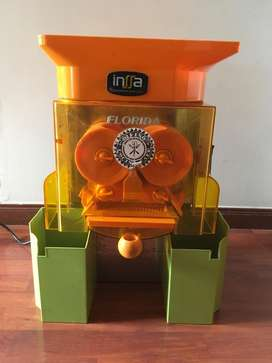 Exprimidor De Naranjas Industrial Usado Para Cafeterias 8 meses de uso