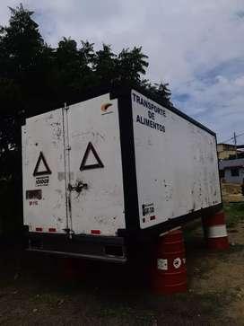 Vendo furgon para camion de 5.5 en buenas condiciones precio por interno solo persona seria