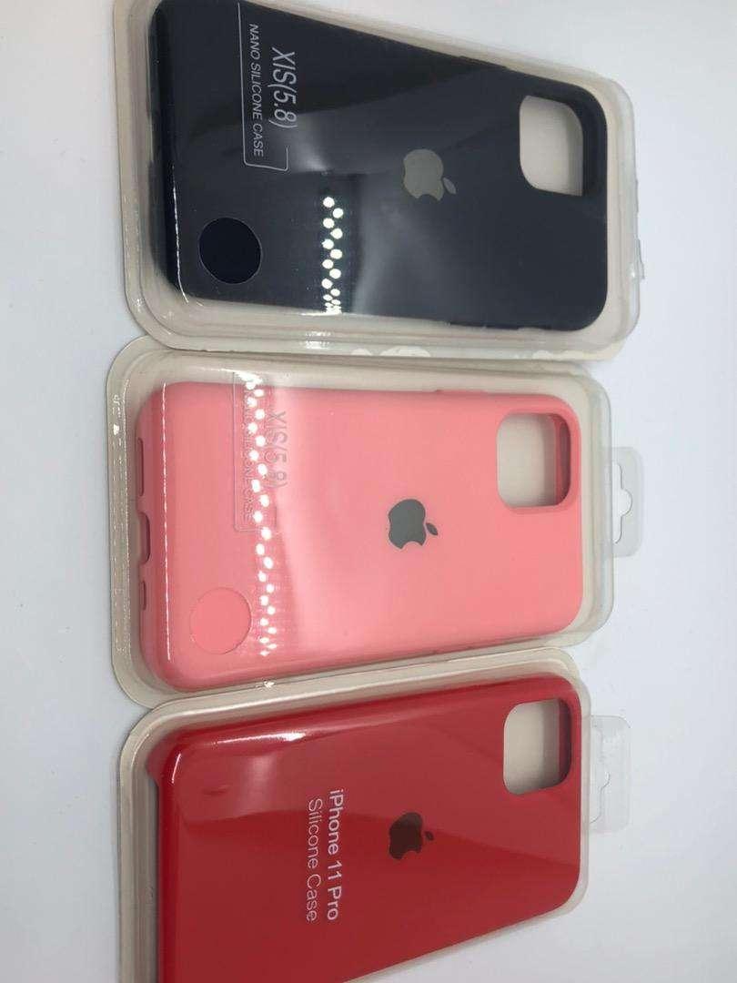 Protecor de silicona iPhone 11 Pro Max 0