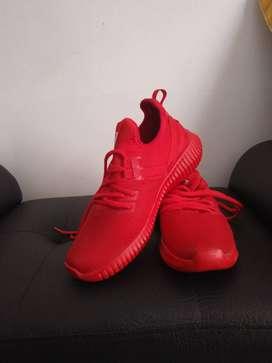 Zapatillas nuevas en perfecto estado