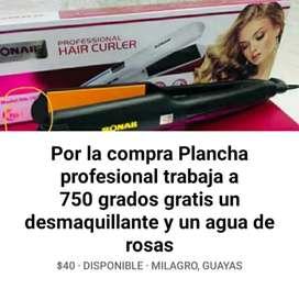 Promocion por la compra de una plancha de cabello se regala un desmaquillante y agua de rosas