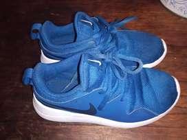 Zapatillas Nike 29,5 mide plantilla 18 cm
