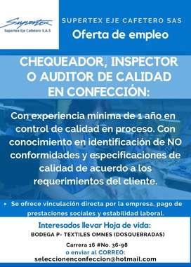 Inspector, chequeador de calidad en confección
