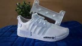 Precio unico!!Zapatillas blancas n35