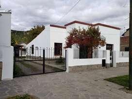 Casa grande en Esquel + departamento en zona centrica.