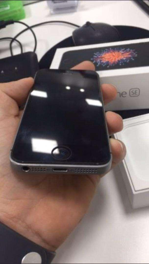 Iphone SE de 32gb estado 10/10 0