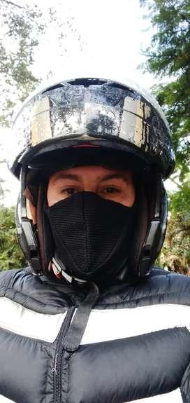 Busco trabajo como mensajero y domiciliario de moto