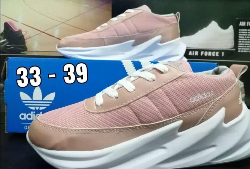 Adidas tiburon 0