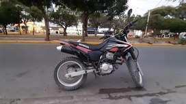 Vendo moto tornado XR250 en buen estado