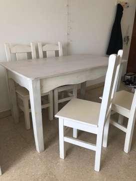 Mesa de pino + 6 sillas