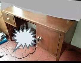 Vendo escritorio,  negociable.