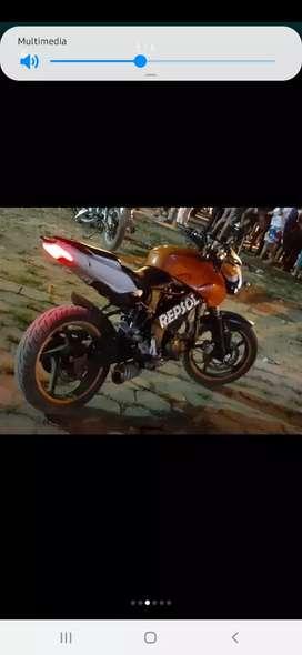 Canvio moto axxo rz250 con alguna motoneta que este al día en la matricula