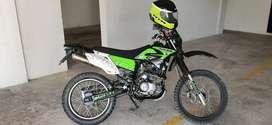 Moto sukida negro con verde, 200cc en perfectas condiciones matricula al día y revisión