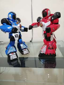 ROBOTS CON CONTROLES DE BRAZOS PELEADOR