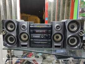 Equipo de sonido Sony para radio y auxiliar