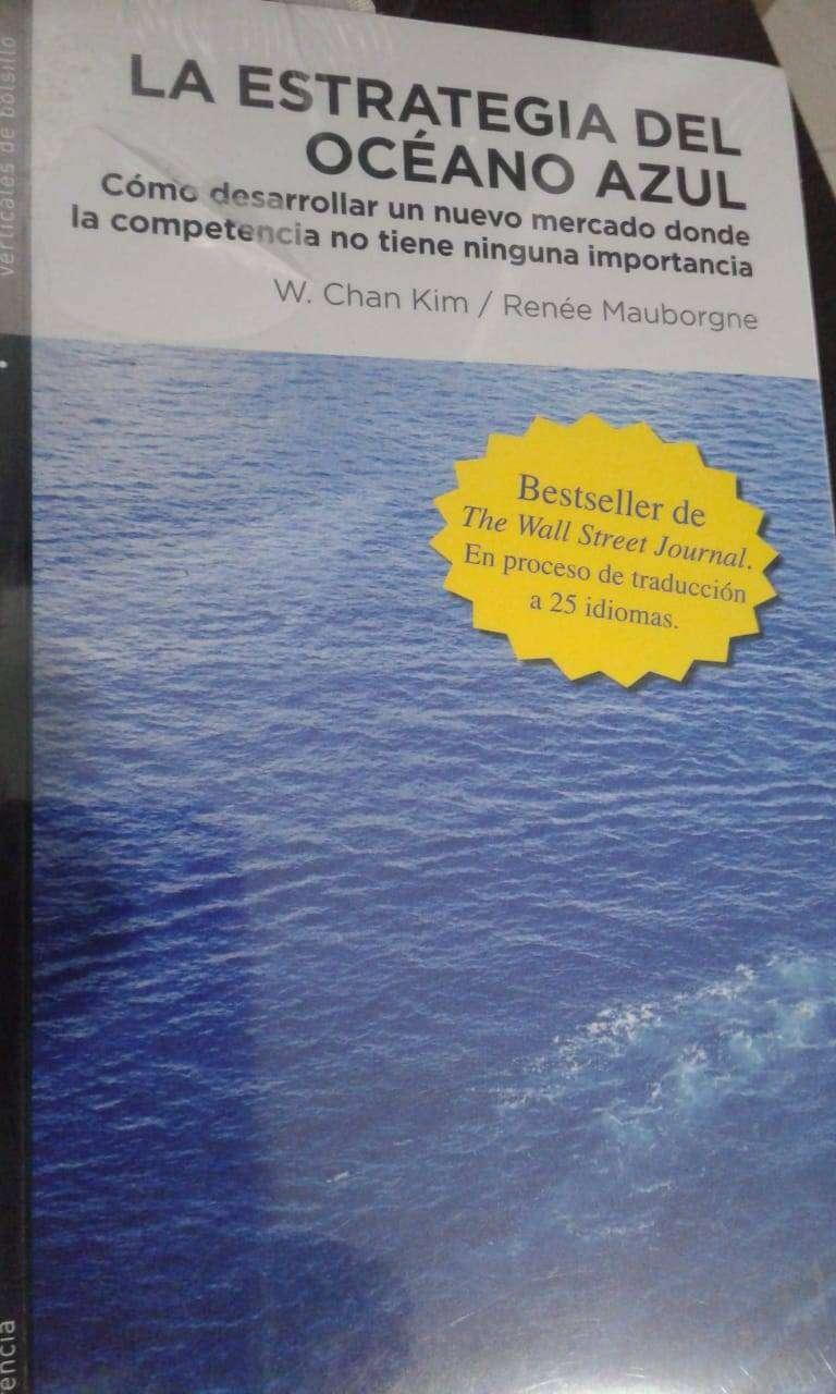 Libro nuevo La estrategia del océano azul 0