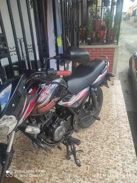 Hermosa moto Discovery 100