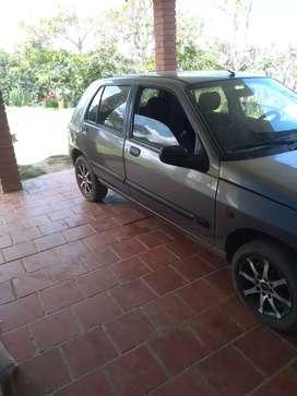 Renault Clio 99 injesion papeles al dia