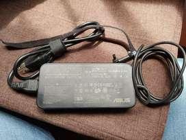 Vendo N55JK cargador original y parlante