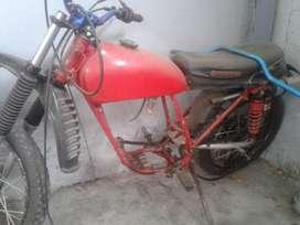 Moto yamaha trail para reuestos