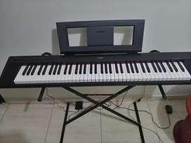 Piano yamaha np 32