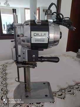 Cortadora de tela vertical 8 pulgadas industrial DIWI como nueva