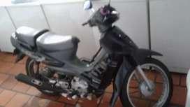 La moto tiene seguro hasta noviembre está ful de todo o que hay pal cambio