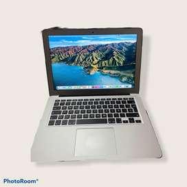 Vendo MacBook Air 2017 como nueva 10 de 10. 2 meses de uso