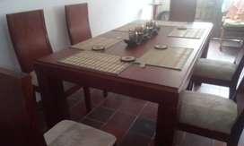 Comedor de 8 puestos  en madera (cedro)