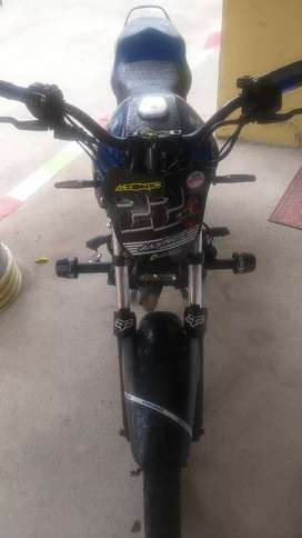Vendo moto discover 125 modificada 1' 500.000