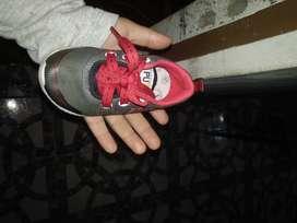 Vendo sapatillas unisex talle 21..un mes de uso