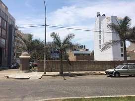 Alquilo Terreno 650 m² Comercial en Esquina Av Zona El Golf - Trujillo