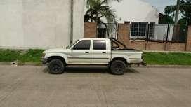Vendo Toyota Hilux 1998