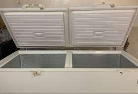 Refigerador-Congelador, marca ELECTROLUZ, de 725 litros, dimensiones 1967x910x867mm, modelo EFC72A3KPW, color balnco..