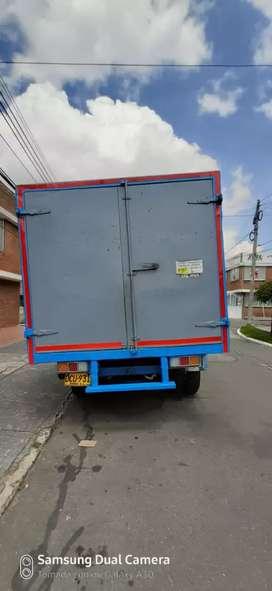 Vendo o permuto camión C30