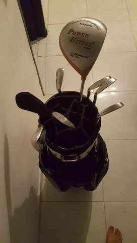 Equipo del golf buen precio motivo de viaje